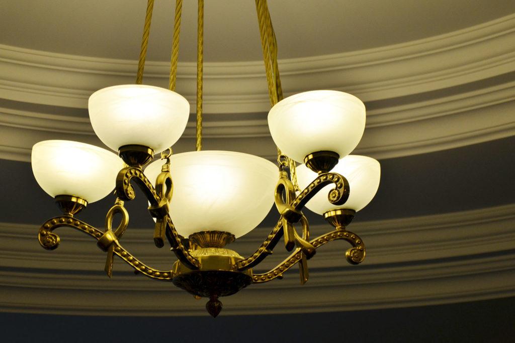 Personal injury lawyer restaurant light fixture falls